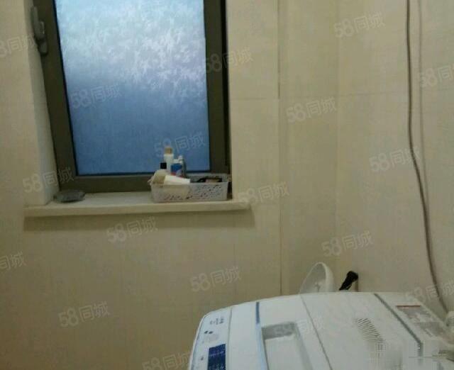 莲花馨苑2室1厅1卫电梯房,东西齐全,拎包入住