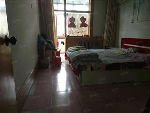 达活泉旁民政小区精装修大三居室有证带小房