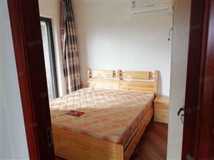 龙泉3房出租精装拎包入住1650一个月