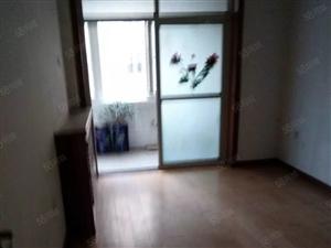 出租里能舜泰园复式上下两层下层三室一厅上层一室一厅