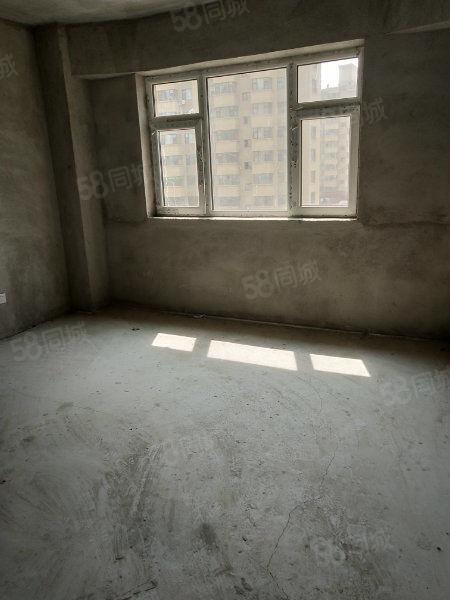 新楼,首付5.5万,电梯好楼层,仅剩一套