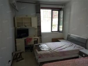 星河湾1室1厅1卫50平精装修拎包入住半年租一月1000