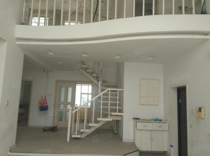 万基城市花园4楼5楼复式超大落地窗有证带车库