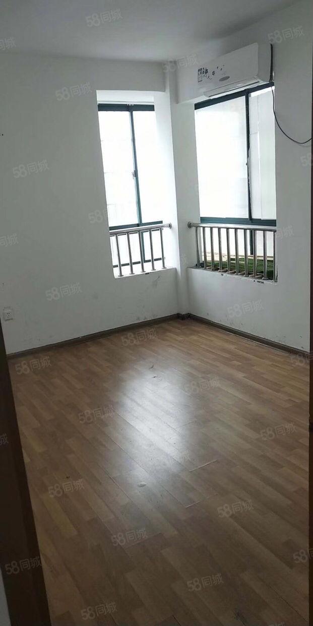 中山街人和佳苑小区电梯7楼,适合办公美容院拆迁户居住