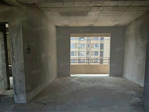 荟萃中央三房两厅两卫,中间楼层,户型端正周边有学校,市政府,