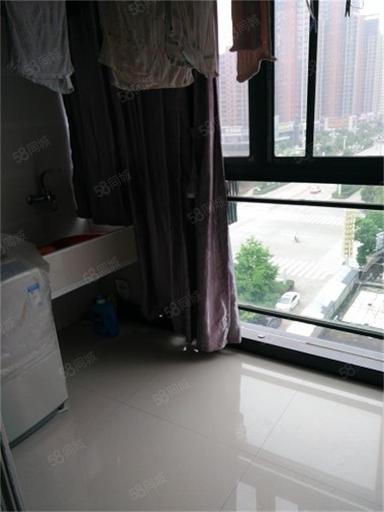 翰城国际旁锦绣华庭精装修3房2厅2卫随时看房