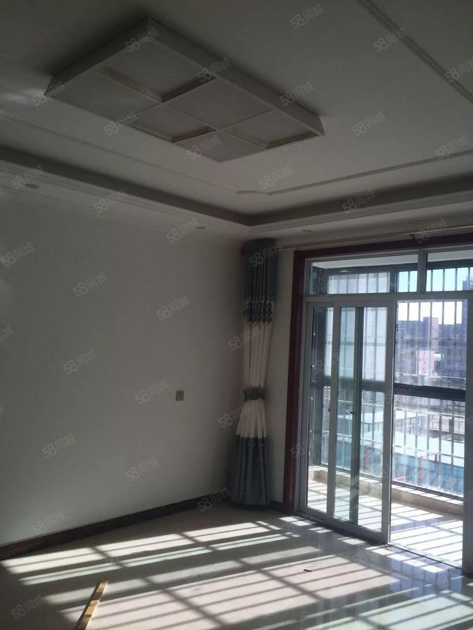 精装两室,随时入住家具齐全有钥匙直接看房
