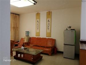 学府花园3室2卫简单装修118平米拎包入住