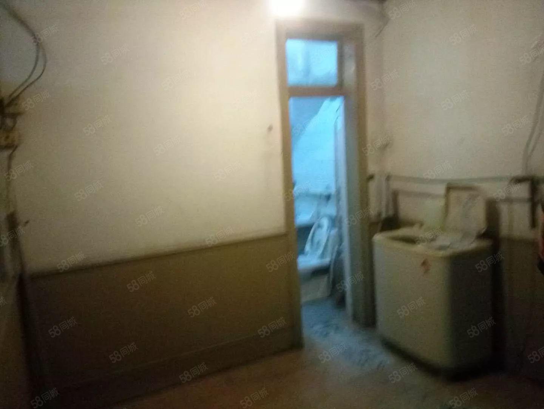 实小附中附近运河城东临沿街3间卧室干净温馨