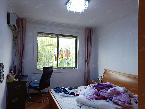 万兴小区三室二厅精装修南北通透有储藏室