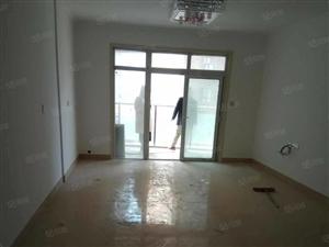 新城国际3室新房出租。高档小区。商住两用可半年付