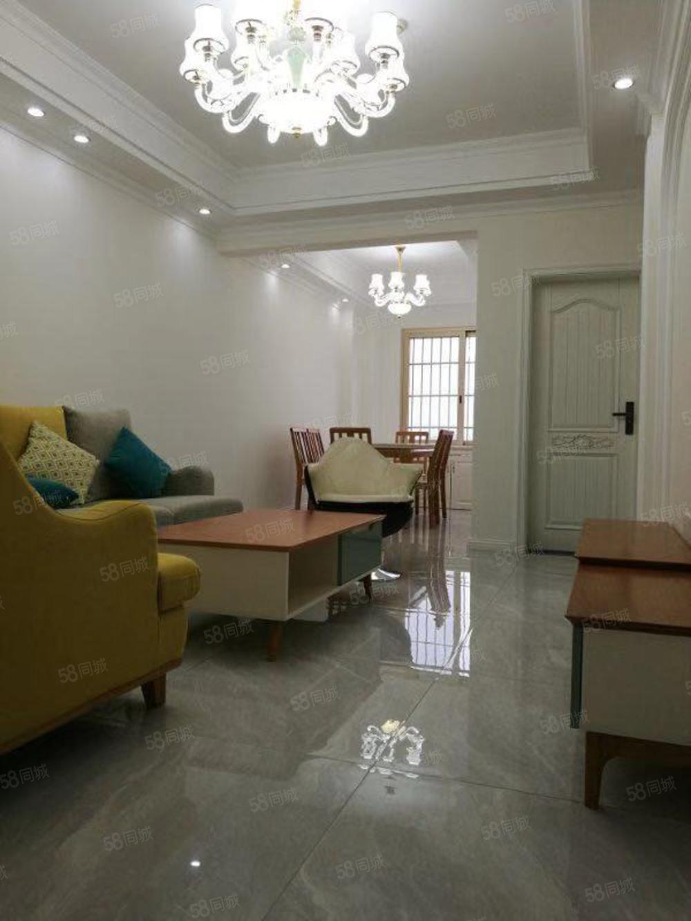 富临大都会超值两室设施完善豪华装修,舒适环境等你享受!!!