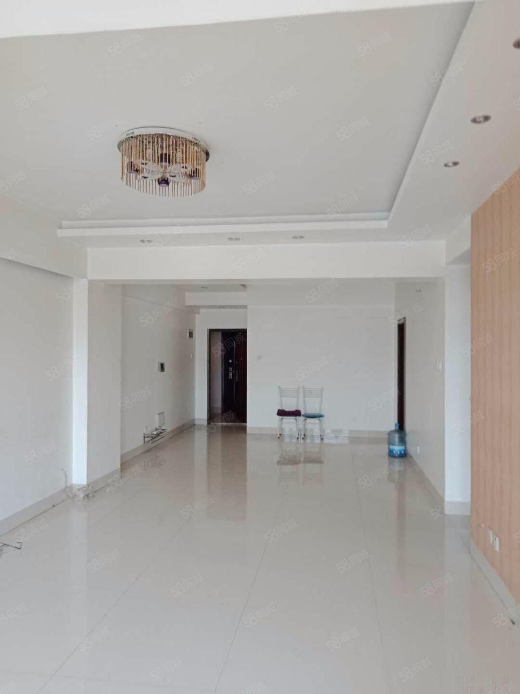 聂耳音乐广场旁磊山大厦3室136平米带车位精装框