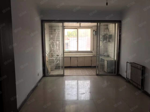 4室1厅2卫1200元/月紧邻繁华的中山路
