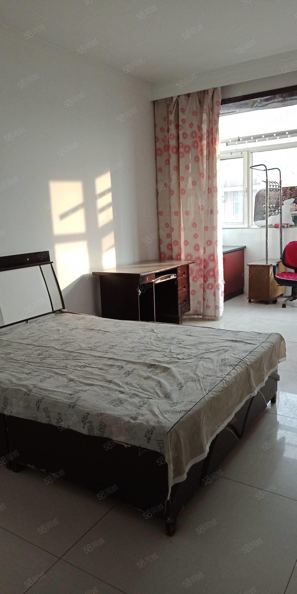 附中附近有好房出租,99平米,一个月1100元,家具家电齐全
