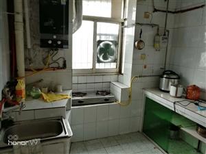 地税局对面3室2厅1卫1洗浴间3500元半年