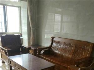 小洋人居板块,家具家电齐全,拎包入住,精装修二房,南北通透。