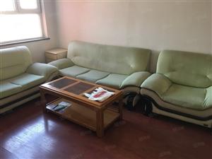 丰源帝景房屋出租温馨小三居家具家电齐全领包入住。