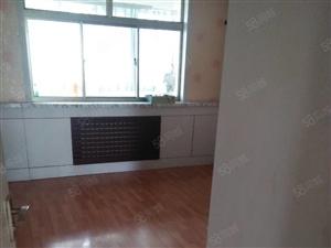 碧桂园南邻满意新区电梯洋房1楼3室2厅130平,上储停车方便