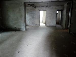 前进东路3室2厅2卫2阳台139.72平米带21平米柴房
