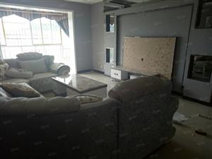 琼江明珠一期,全新装家具齐全
