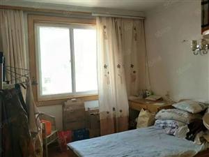 姚李新星中学对面套房出租。