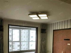 自然康桥大两室精装修,可改三室,证满两年,随时过户
