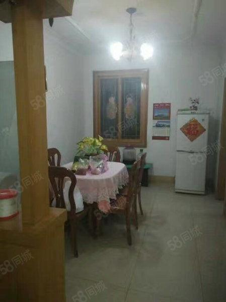 惠民菜场,108平,3室2厅,简装拎包入住,双证满五,27万