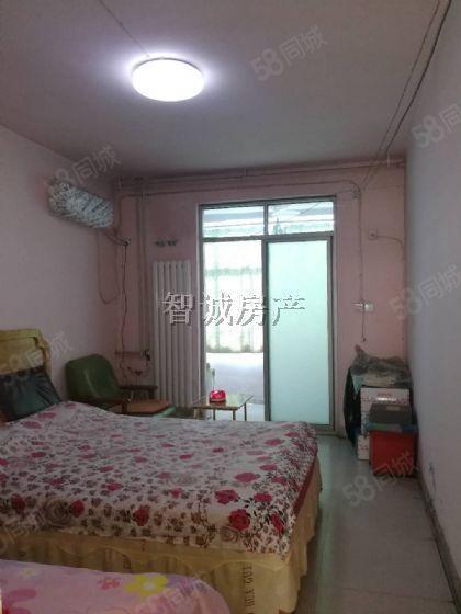 彩虹小区一室一厅一卫