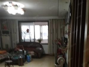 欧隆盛源小区3室1厅1卫精装修1200拎包入住