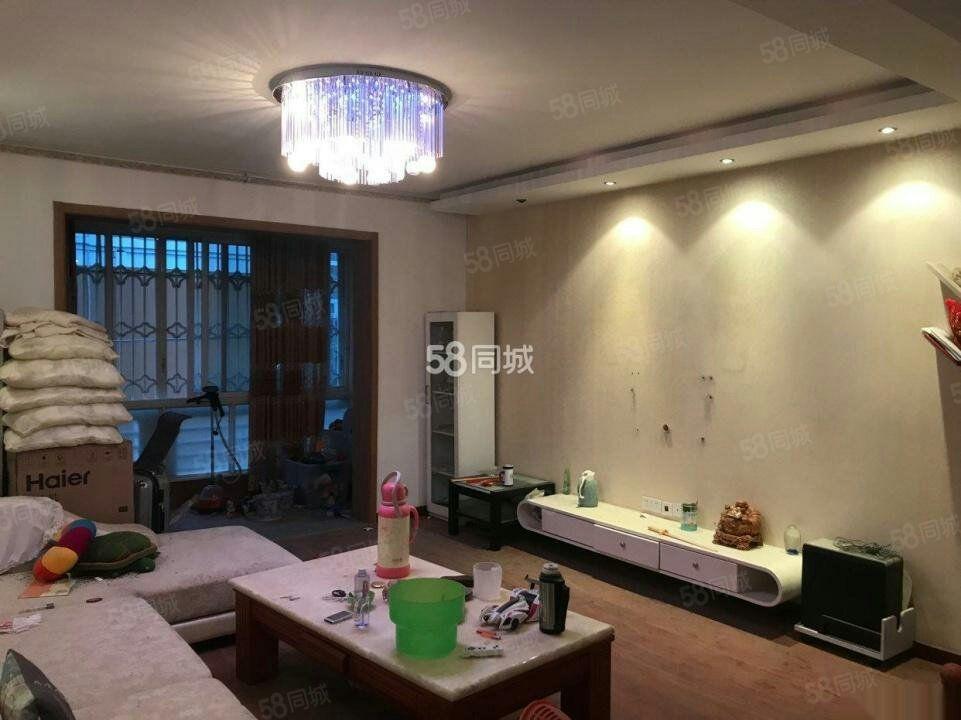 滨江半岛碧春苑5楼2室2厅租12000元一年