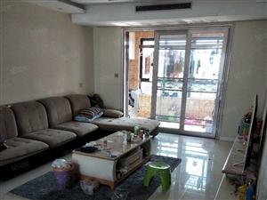 四季阳光多层三楼三室两厅精装修家具家电齐全2000一个月