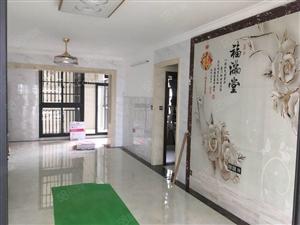 国兴大润发附近(盛贤景都)全新装修大户型3房可办公配空调