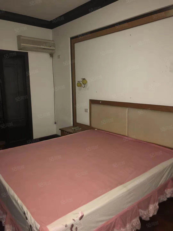文化宫小区财富广场锦绣园4室2厅精装出租
