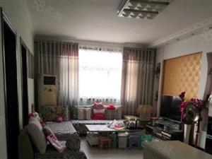 瑞贝卡家天下附近中装小3室,步梯好楼层,送家电,送地上储藏室