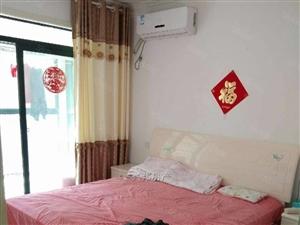 凯旋门对面金色家园2室2厅精装修,有证,可贷款。