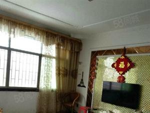 龙潭中学对面步梯精装房出售,户型方正,上学方便