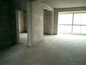 天润城大四期3室2厅毛坯南北通透采光无遮挡