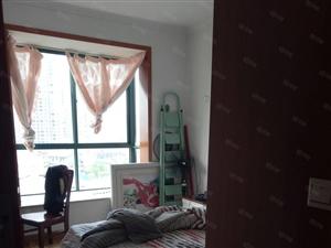 阳光城小区三室两厅两卫家具家电齐全拎包入住!