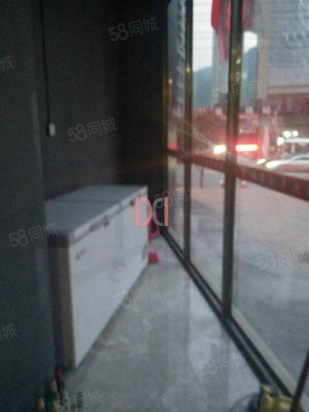 锦鹏国际1楼门面100平米适合做酒吧餐饮