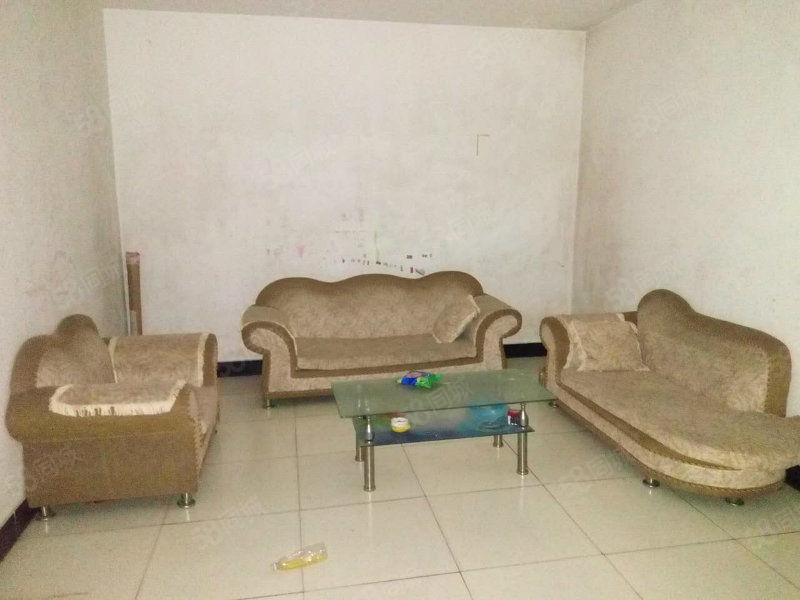 城南新区2楼二室二厅,简装带热水器等家电家俱出租。