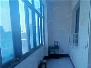 体育路二中附近3室2厅4楼