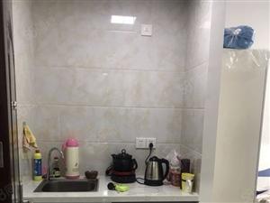 万达华城单身公寓干净整洁设备齐全停车方便