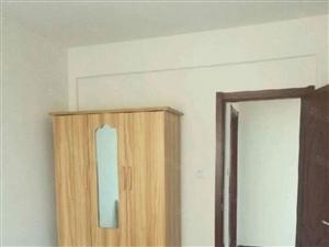 恒正简装带简单家具70平米2室月租1050元年付