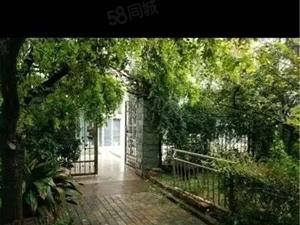 天润花园精装一二复试带大院子拎包入住!