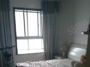 尚萱卧龙官邸150万4室2厅2卫普通装修,现在