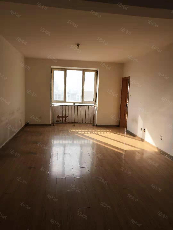 �W林花�@南�^高�樱��щ�梯,部分家具家�,采光好,看房方便。