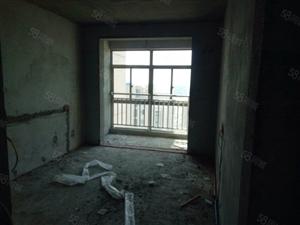 精推河滨一号此房毛坯,户型合理,经典三室。