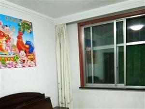 出租吉祥小区精装修一层地暖房,家电齐全,拎包入住