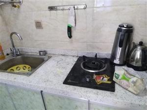 老城区光复街1室1厨1卫900月家电家具齐可月付3个月起租